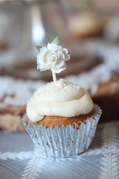 Woodland party, sprinkle cupcake - Feature Friday: Woodland Party! | Halfpint Design - this cute woodland party was simple but elegant.