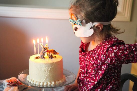 Woodland party, cake - Feature Friday: Woodland Party!   Halfpint Design - this cute woodland party was simple but elegant.