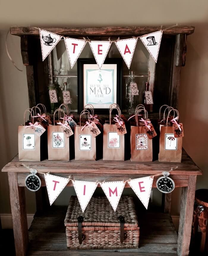 Party favor bags, Alice in Wonderland Tea Party | Halfpint Design