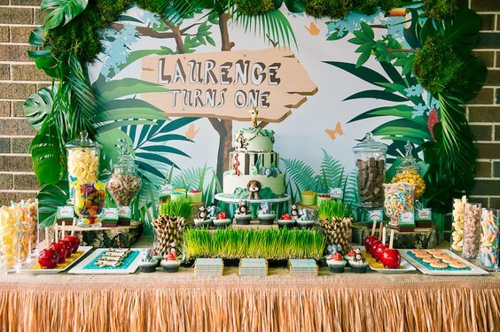 Mini-Oscars: for the best children's movies of 2016 voted on by children   Halfpint Design - Jungle Book inspired safari party.