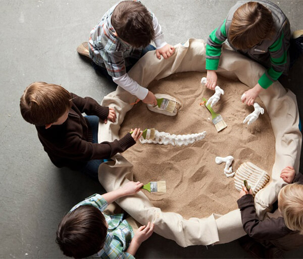 Party activities for boys 3-5 | Halfpint Design - Digging is a favorite pasttime for preschool boys. Host a dino dig for your Dinosaur Party.