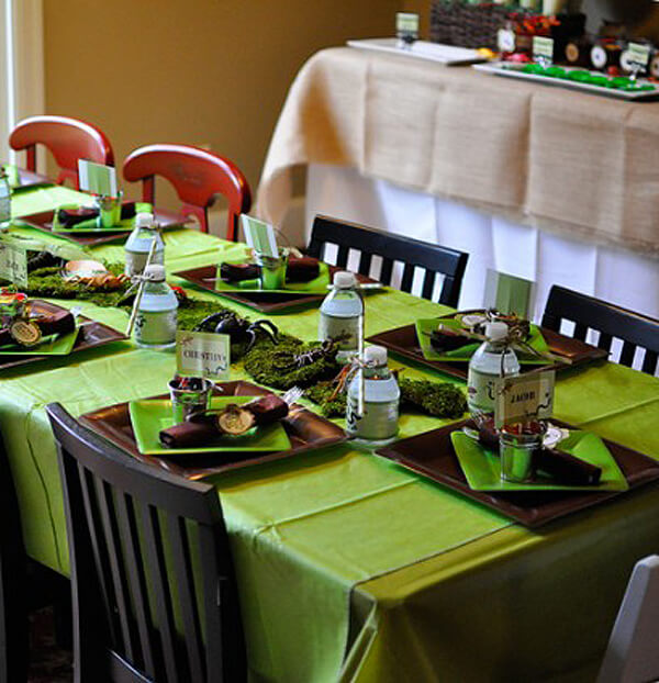 Reptile Party. Greenery Inspired Parties | Halfpint Design - this reptile party also includes insects which is a perfect combo! I love the moss runner on this table.