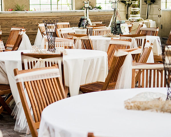 Choose the Perfect Venue with a 10 question checklist | Halfpint Design - Places like Noah's Event Venue provide beautifully designed spaces that include tables, chairs, and linens. They will also help connect you with any other event vendors you might need.