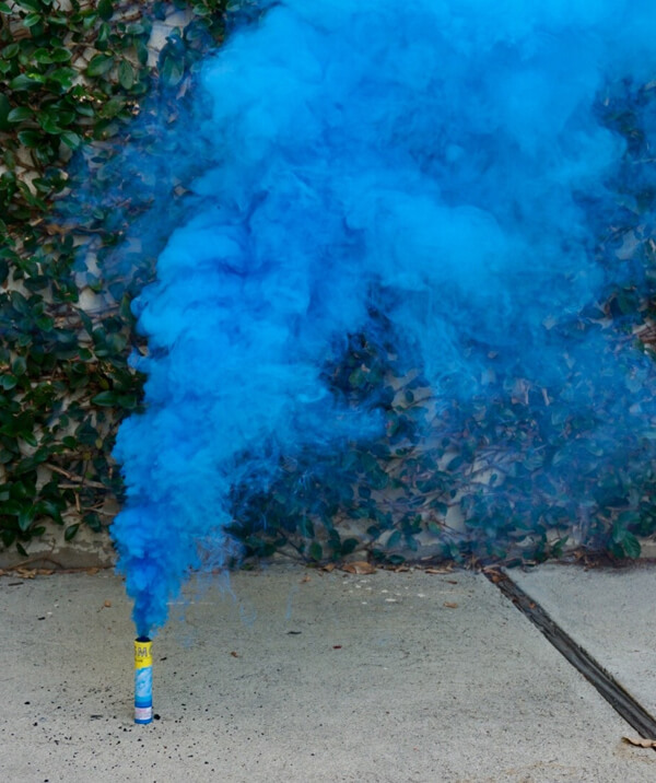 10 Ways to Reveal Baby's Gender   Halfpint Design - Smoke fountains are a great way to announce the gender of your baby. They also make for some really cool photos!