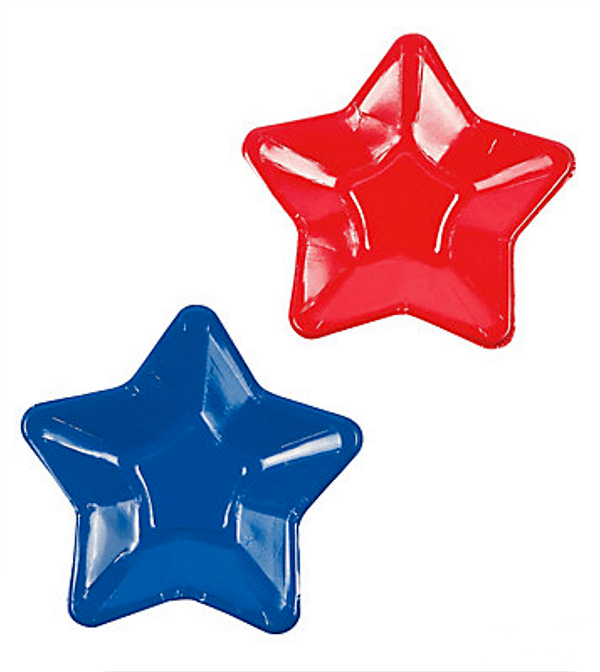 Star shaped dessert plates are perfect for a Wonder Woman party. Not a lot of options these days. Wonder Woman Party Food   Halfpint Design, party ideas, party themes