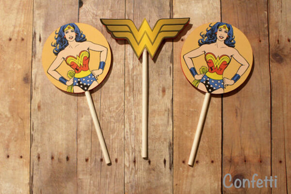 Printable Wonder Woman cupcake toppers - Wonder Woman Party Food   Halfpint Design, party ideas, party themes