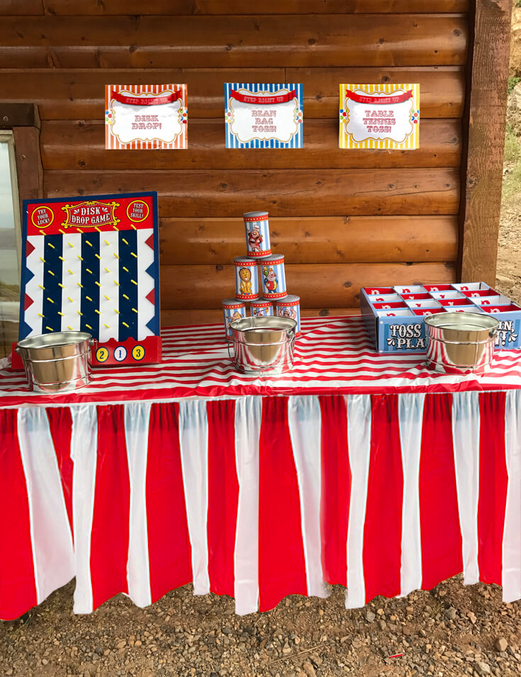 Carnival Theme Family Reunion | Halfpint Design - Carnival games are always a hit no matter what your age. That makes them the perfect activity for a family reunion. Carnival party. Circus theme.