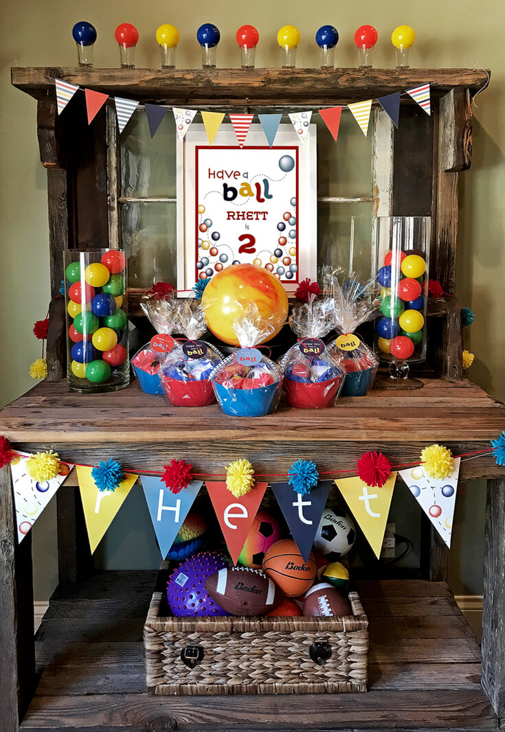 Ball Party Favor DIY | Halfpint Design - These Have a Ball party favors were so easy and a hit with the kids. They would also work well for any sports themed party favor. Baseball party, football party, soccer party, basketball party.