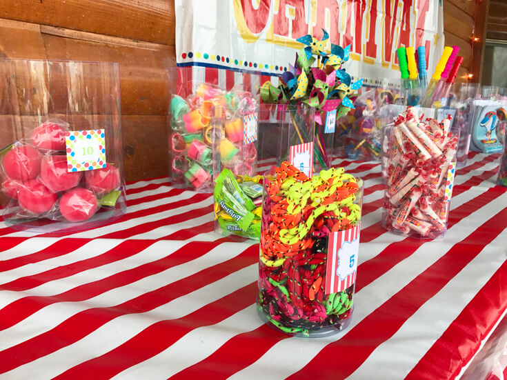 Carnival Theme Family Reunion | Halfpint Design - You've got to motivate the crowd to win tickets to earn prizes. Carnival party, circus theme.