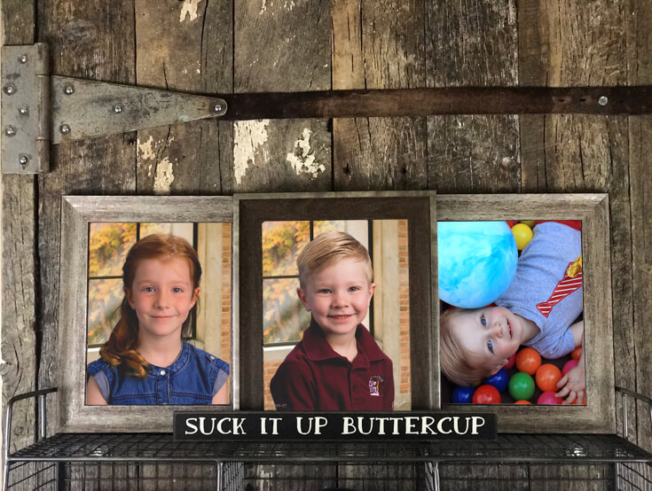 A nice place for those annual school photos. Is it just me or are the school photos sometimes awkward to display? They are small sometimes forced and awkward. I don't know but I've struggled with what to do with them. Until now...Farmhouse Back to School Organization | Halfpint Design