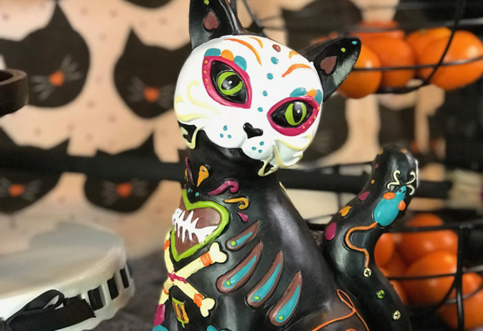 I love this Day of the Dead cat! How cute is she!? It's bigger than I thought and so pretty. Dia de los Muertos Party Resources   Halfpint Design - Halloween party, party decorations, party clothes
