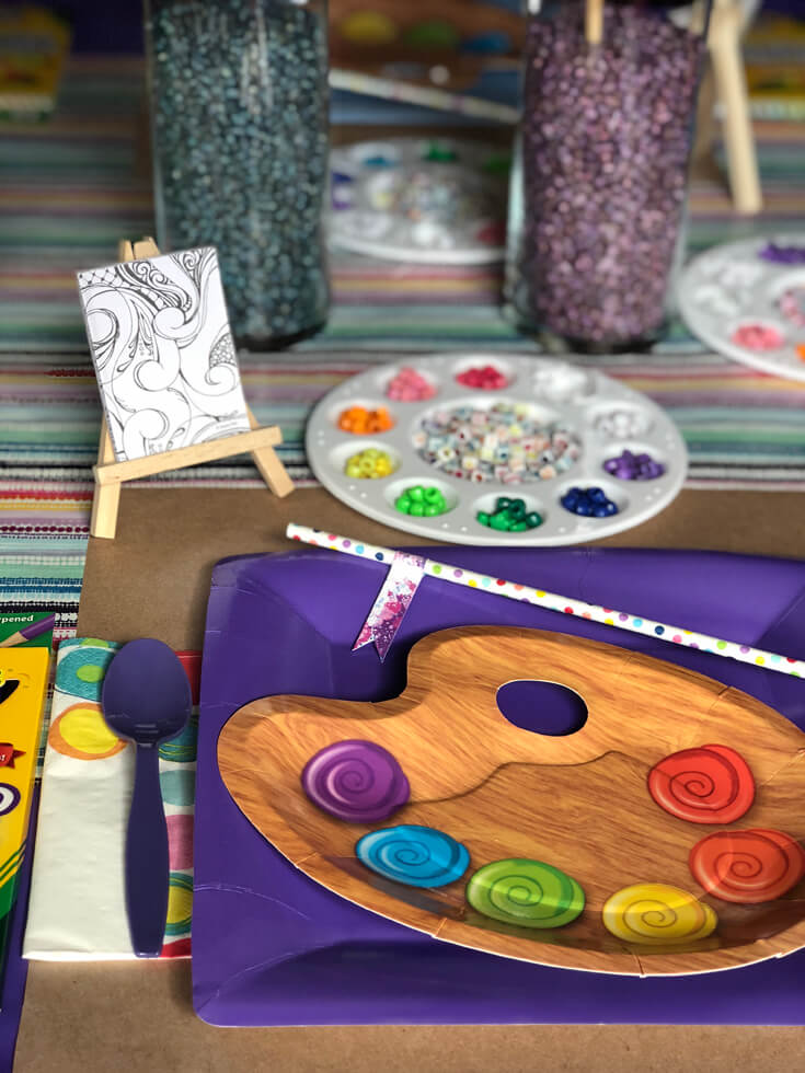 Have fun with the place settings at your Art themed birthday party where you can party like Picasso! Halfpint Design. Art party, painting party, rainbow party.