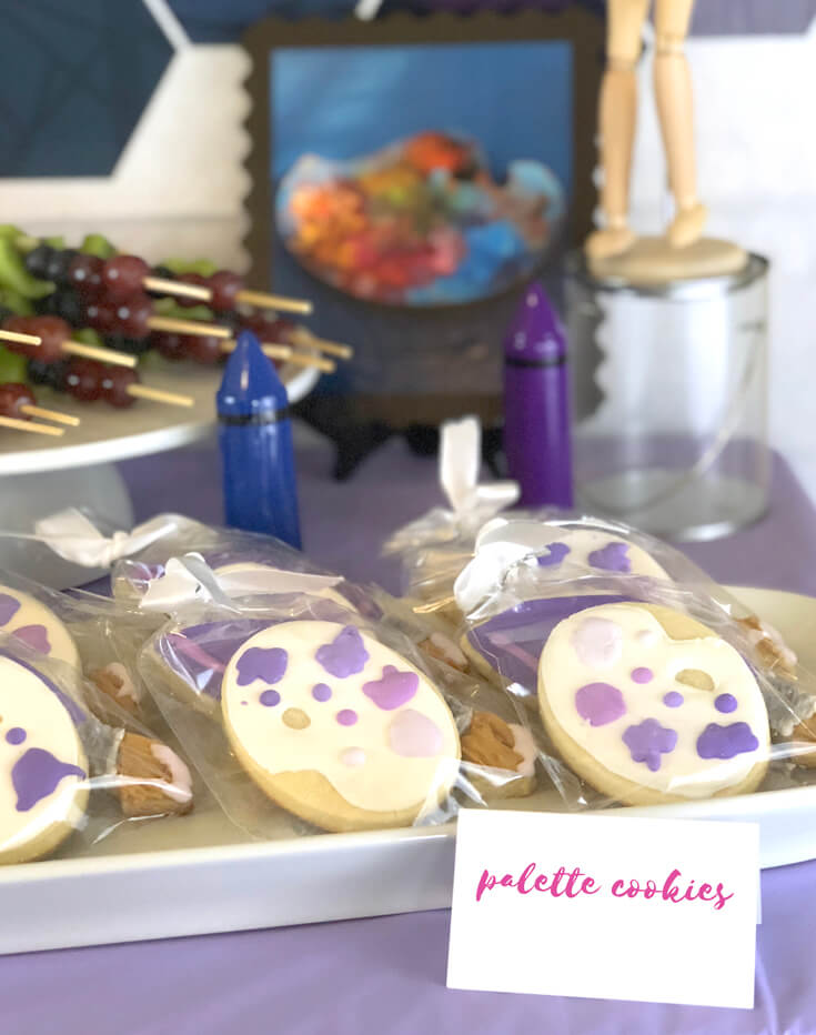 Palette and paintbrush cookies for an Art themed birthday party where you can party like Picasso! Halfpint Design. Art party, painting party, rainbow party.