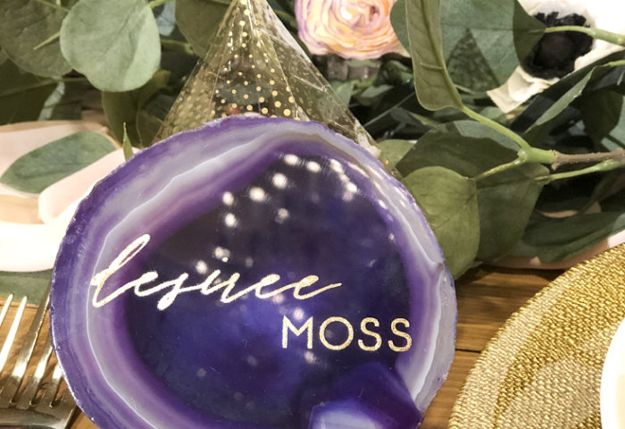 Ultraviolet purple agate slice with gold lettering used as a place card on dinner party table as beautiful end of summer Cricut inspiration