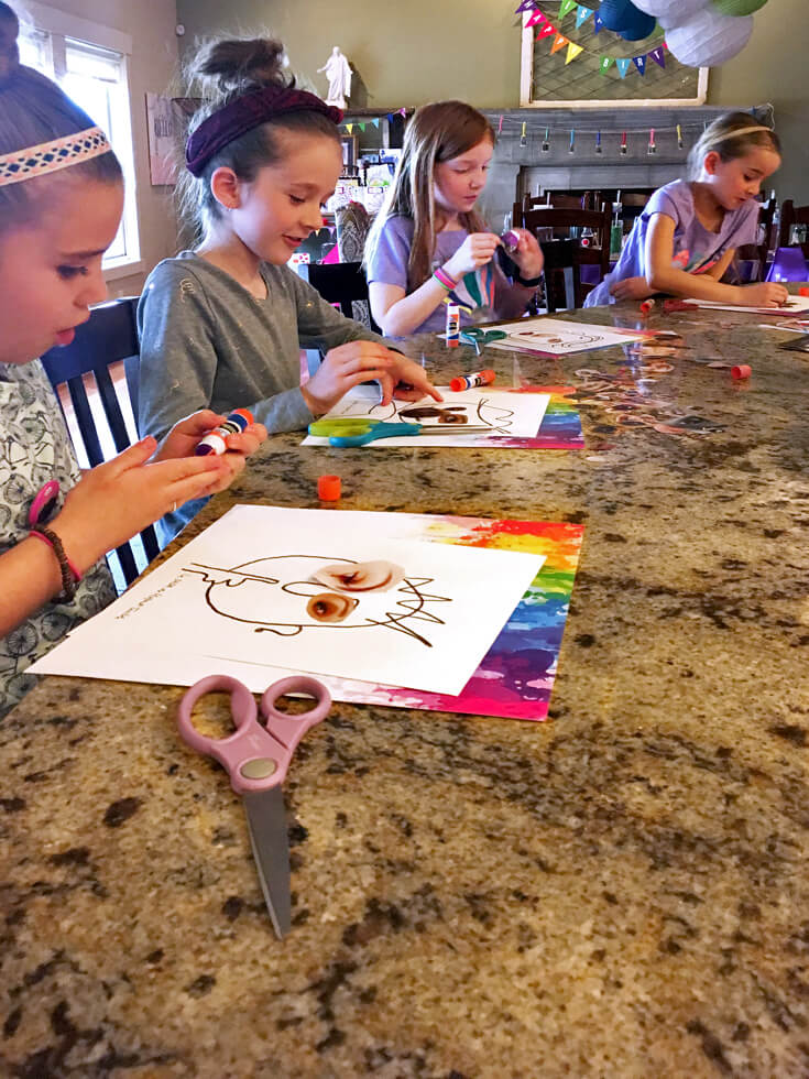 Keeping little artists busy by working on an art project.