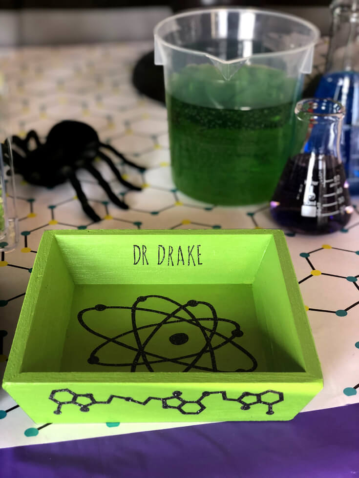 Personalized Specimen box - Mad Science Party Details