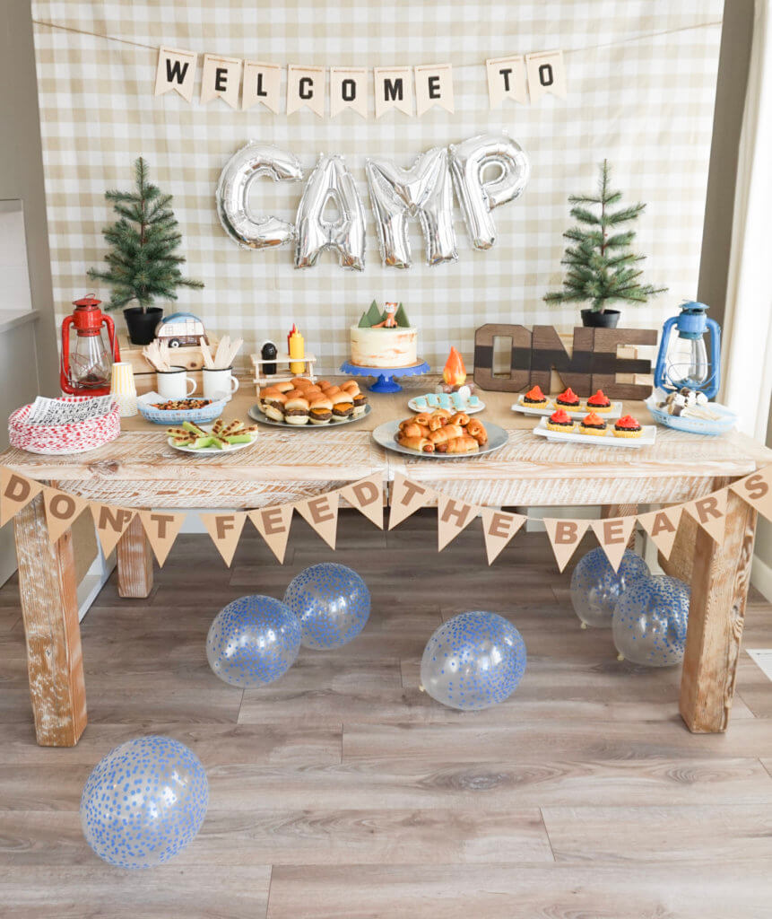Welcome to CAMP party table. Camping theme top party trend