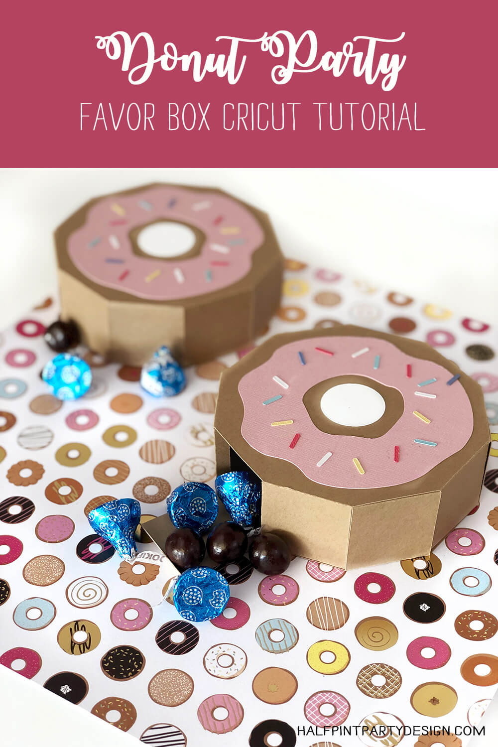 Donut party favor box with candy