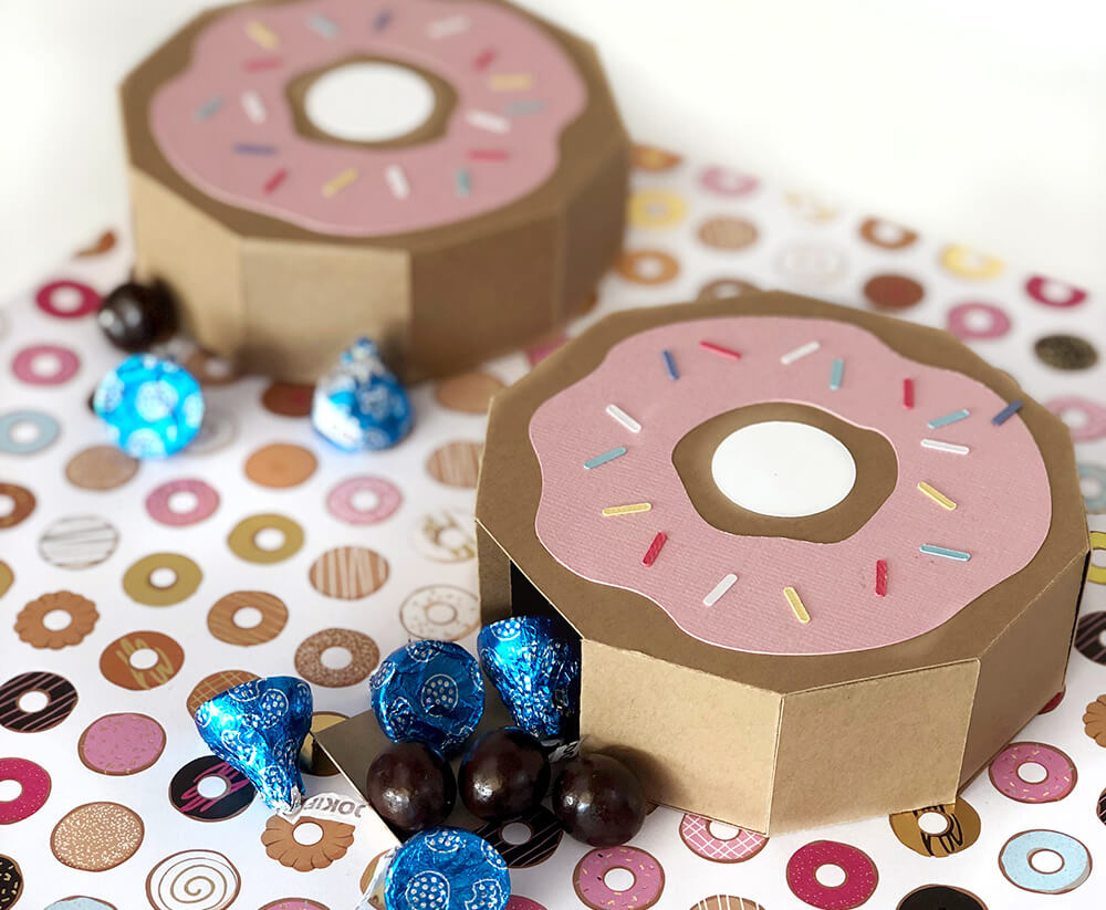 Donut Favor Box Tutorial