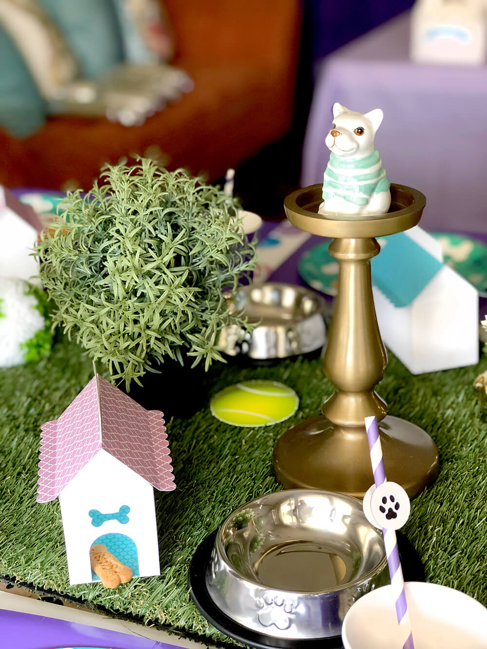 Puppy party table details - Dog Themed Puppy Birthday Party Ideas