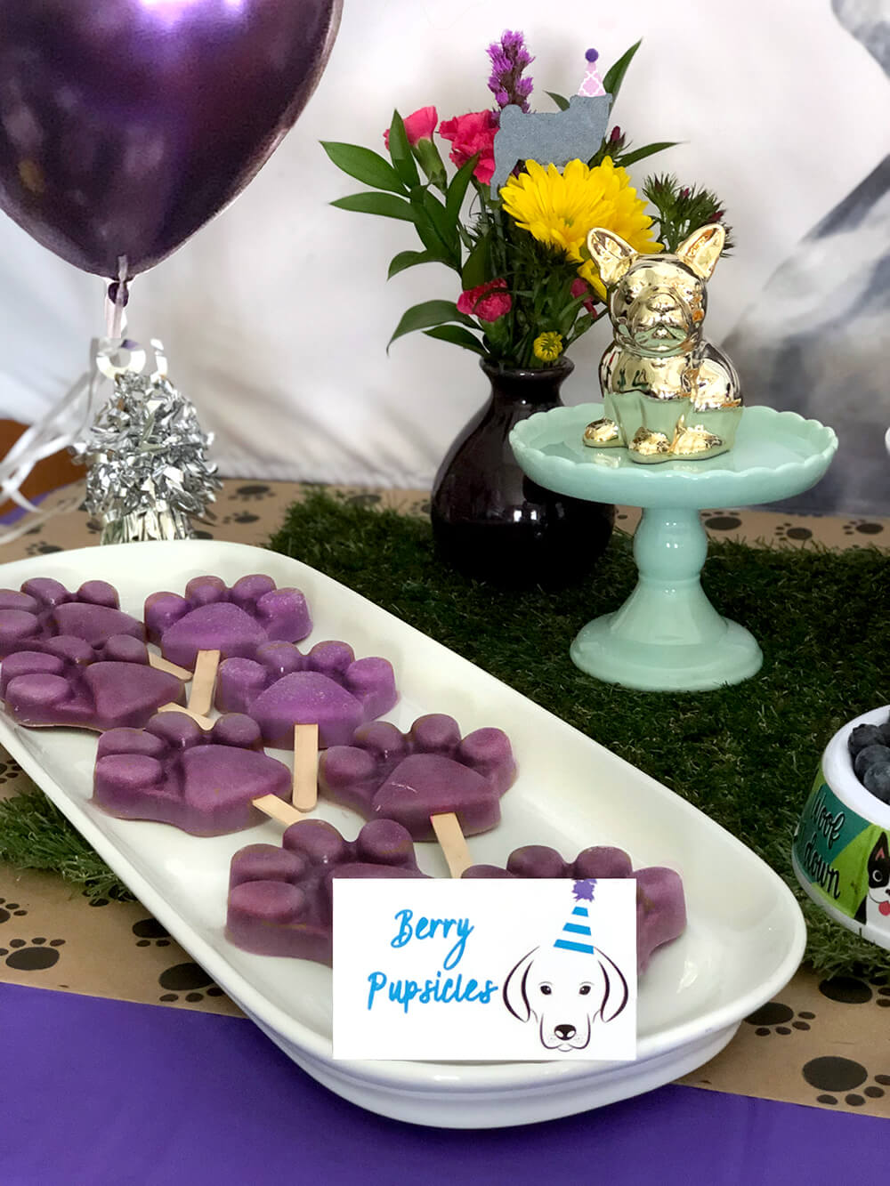 Smoothie pupsicles - Puppy Themed Birthday Party Food Ideas