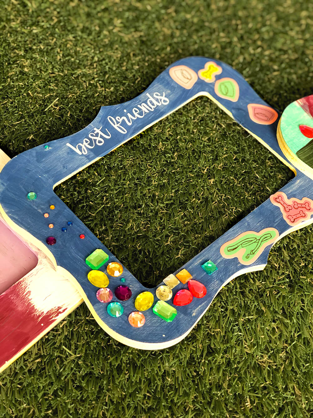 Best friends frame - Puppy party activity ideas for kids