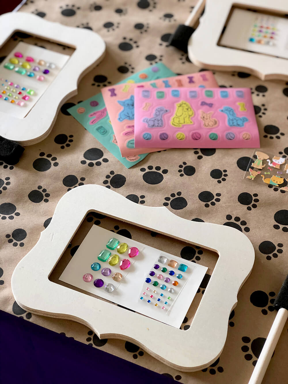 Painting station - Puppy party activity ideas for kids