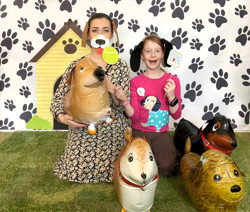 Dog themed photo booth - Puppy party activity ideas for kids