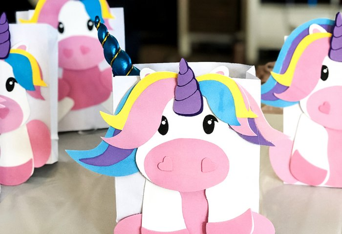 Favor boxes Unicorn themed birthday party ideas