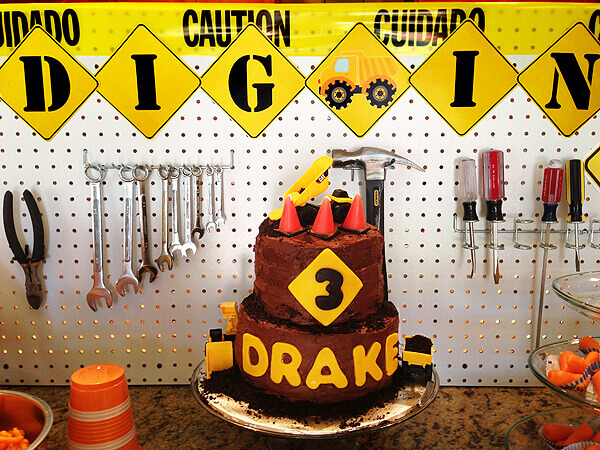 Halfpint Party - construction cake