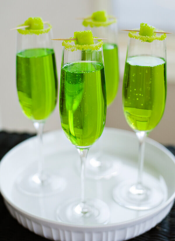 Halfpint Design - This festive green drink makes a great St. Patrick's Day party or a fun addition to a Dinosaur party, Princess and the Frog party, reptile party, etc.