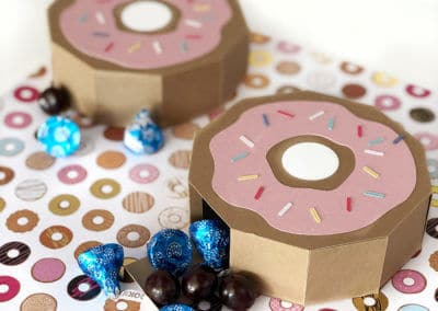Simple Donut Favor Box Tutorial