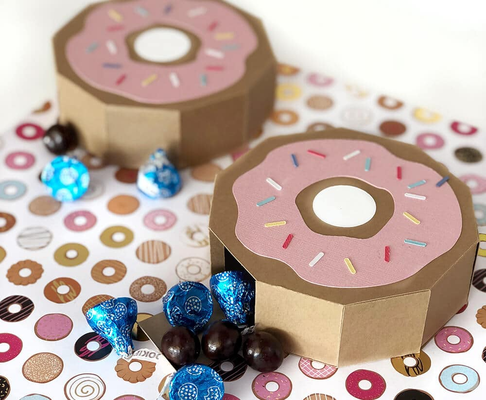 Careful gluing your donut favor box