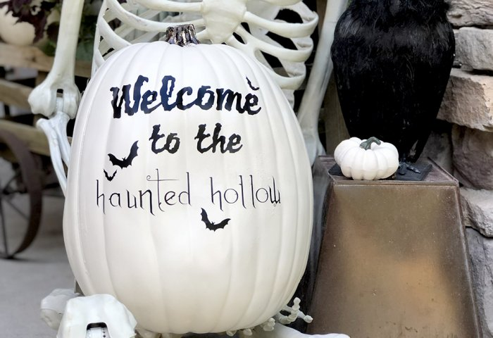 Halloween Cricut craft haunted hollow pumpkin