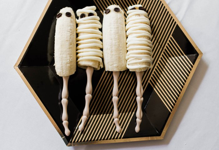 ghost and mummy frozen bananas