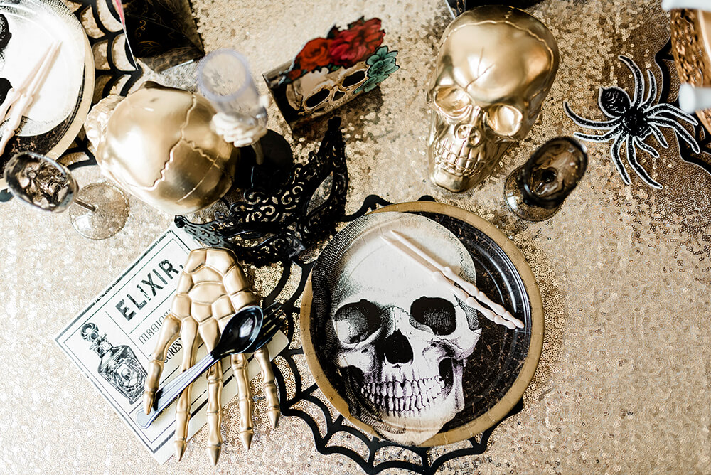 Gothic Halloween Party place settings