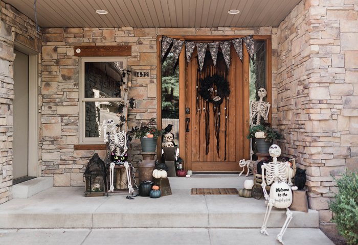 Classy skeleton Halloween front porch decoration