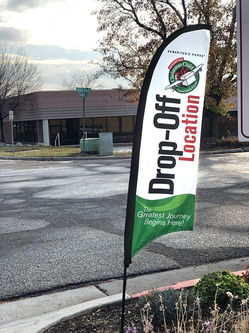 Shoebox drop off location flag