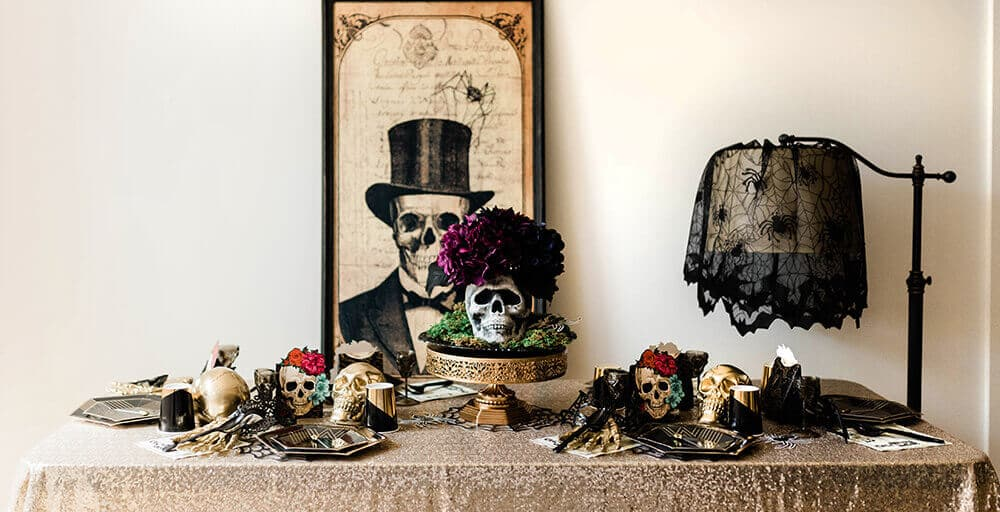 Elegant Gothic Halloween Party Tablescape Ideas