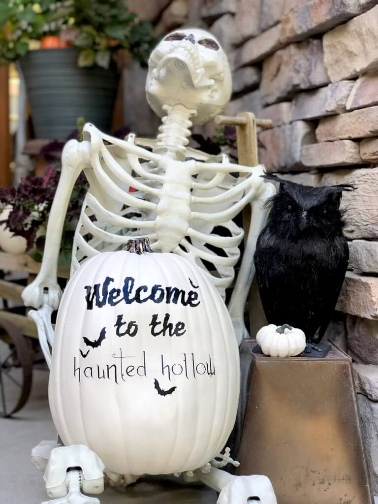 Welcome to the haunted hollow pumpkin