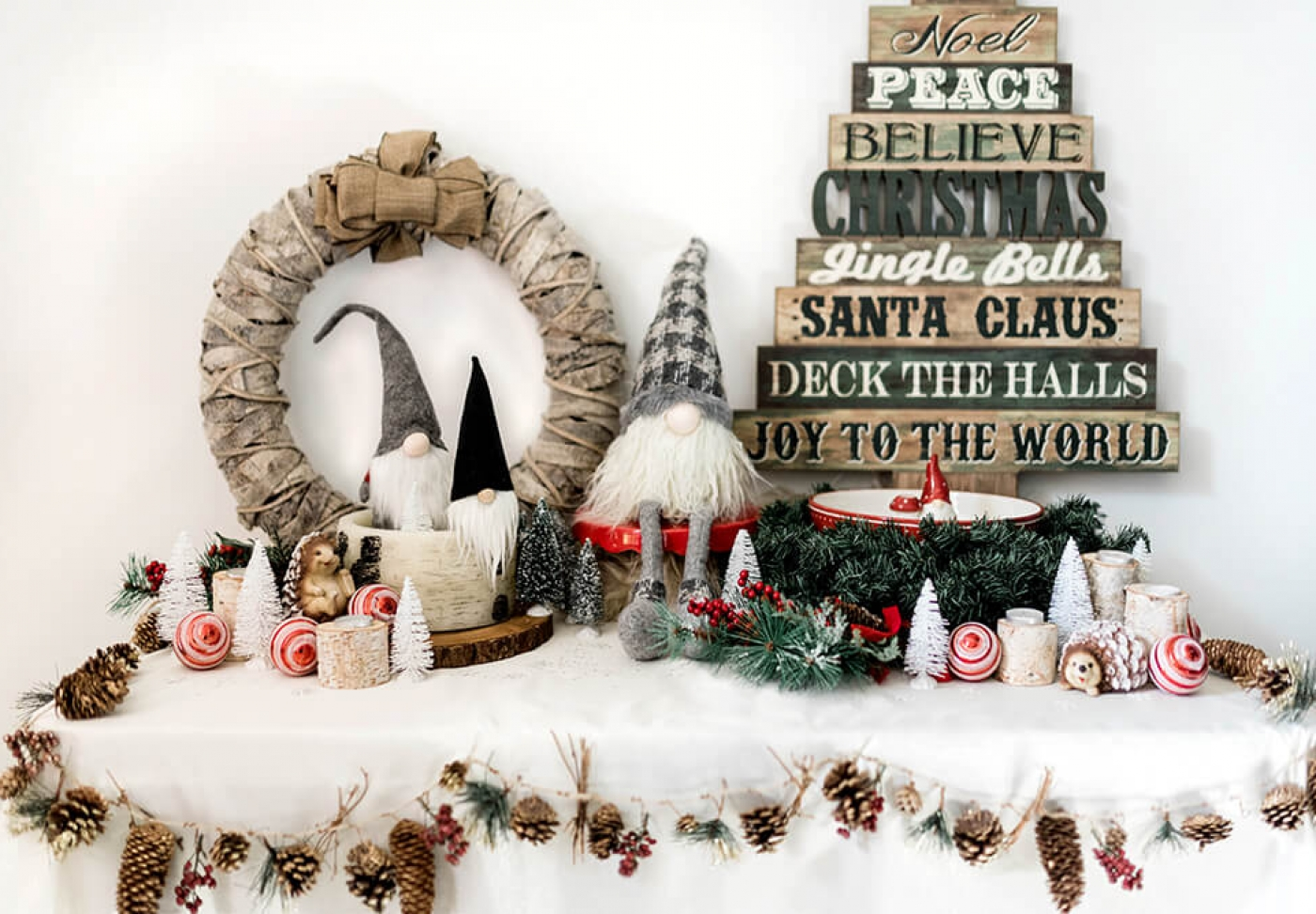 Entry Table Christmas decorating ideas