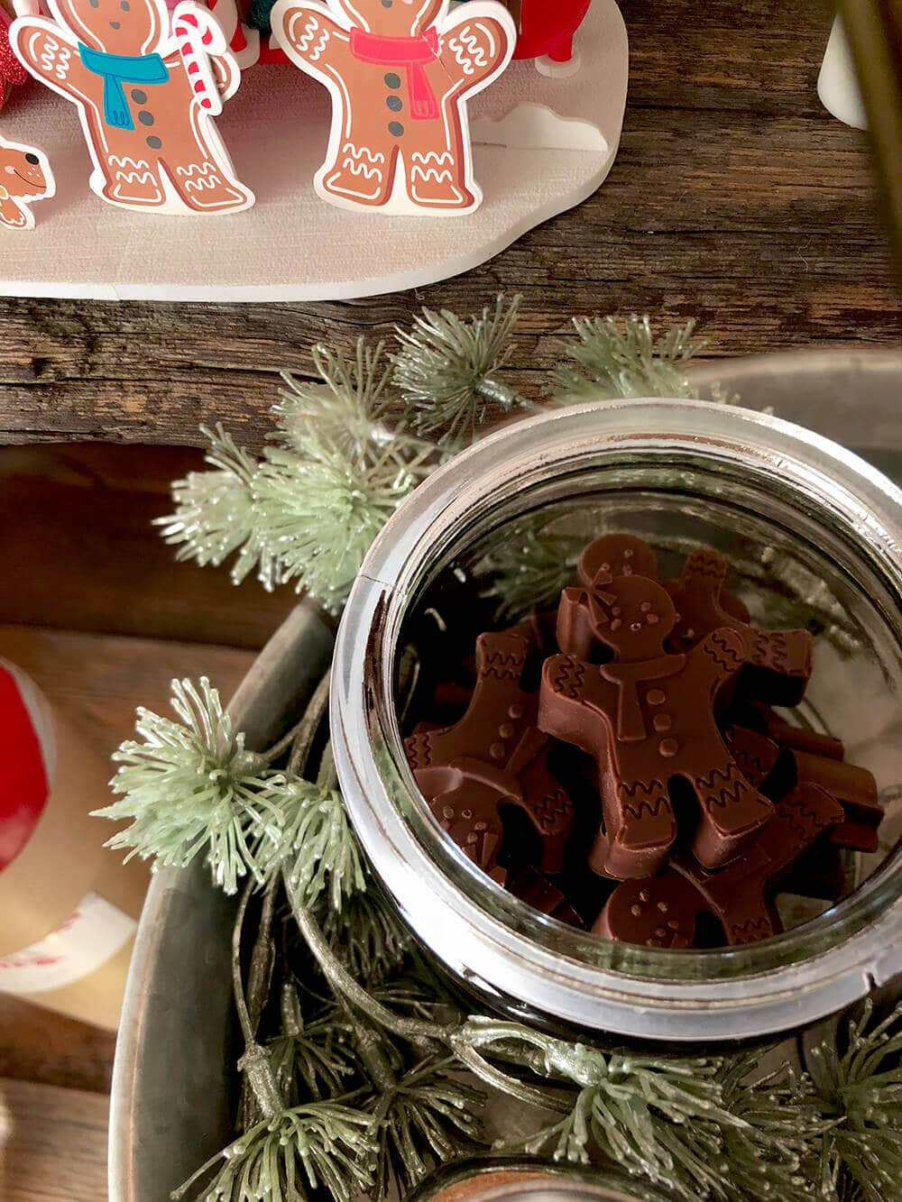 chocolate gingerbread men hot cocoa toppings
