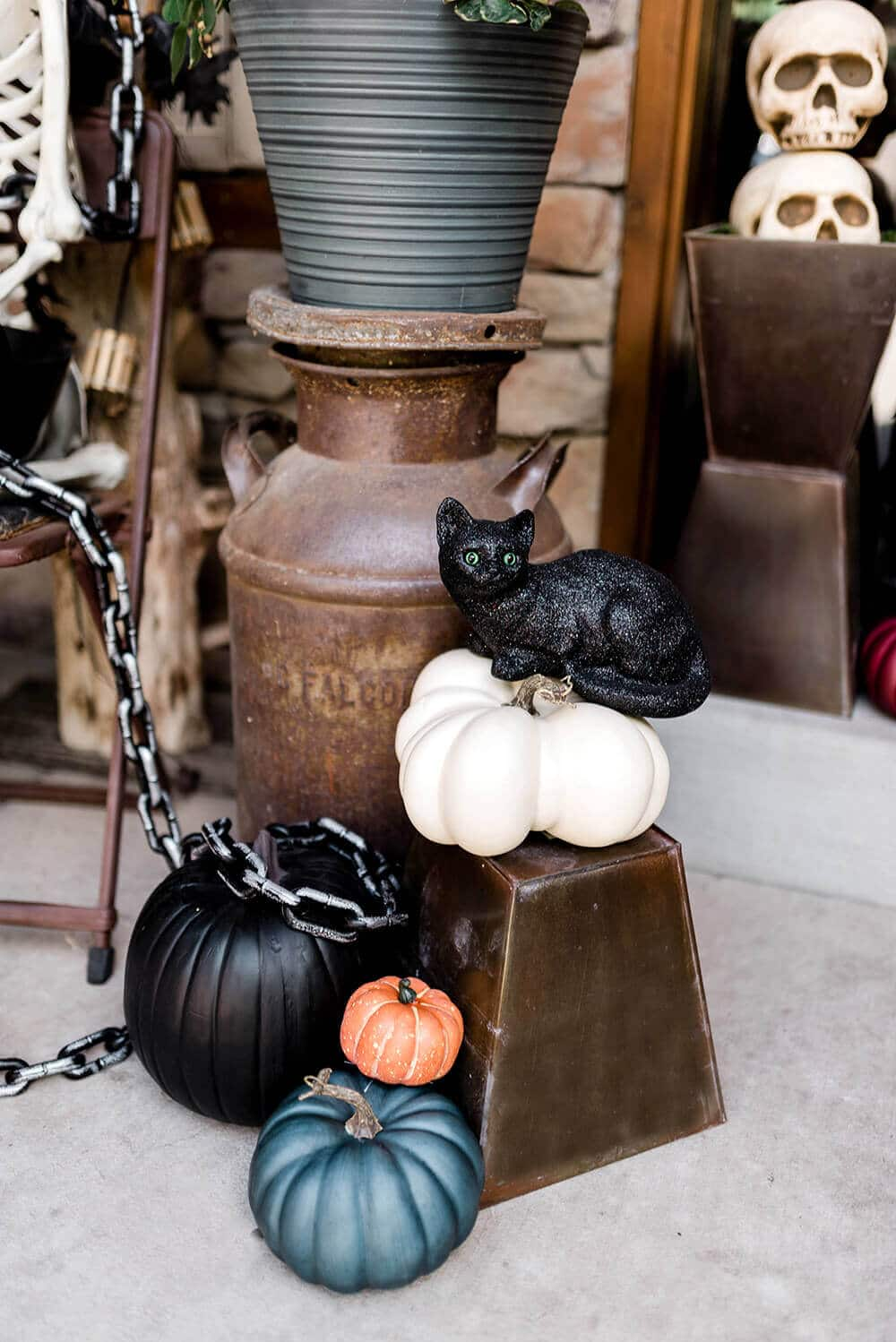 Black cat front porch decoration