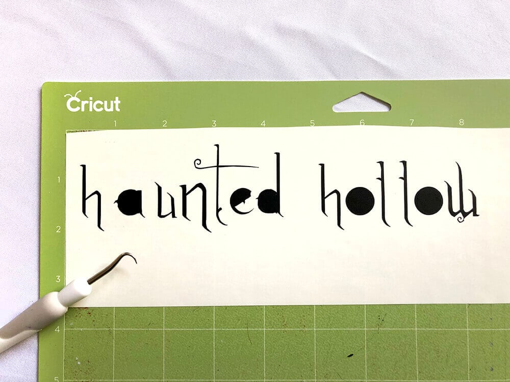 Weeding vinyl Haunted Hollow