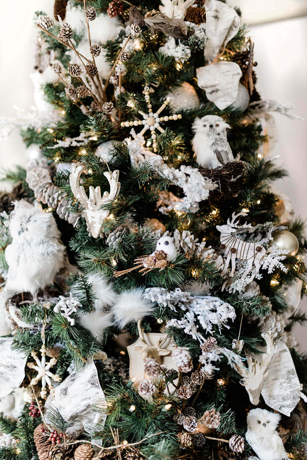 Winter Woodland Christmas Tree Decorating Ideas - Parties ...