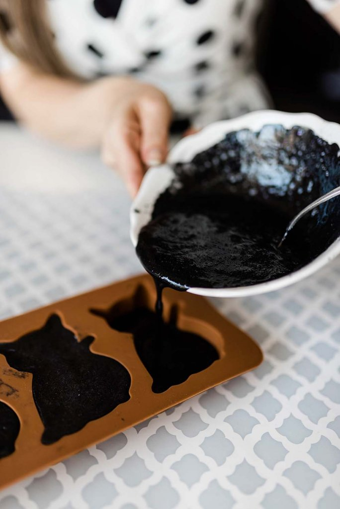Pouring melt and pour soap into cat mold