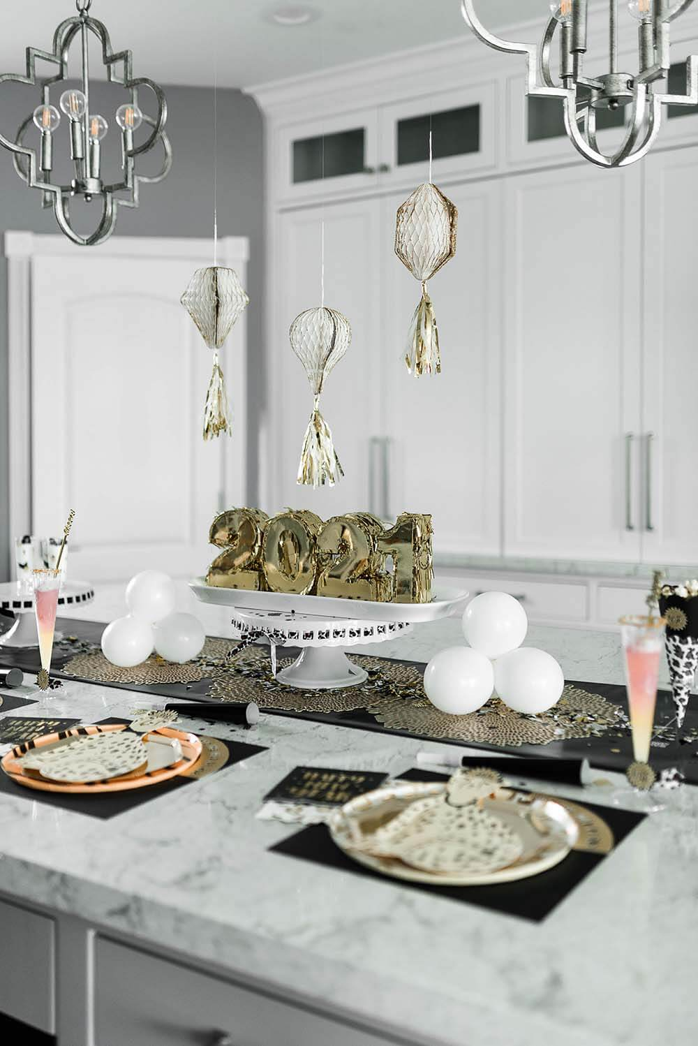 Simple New Years Party table