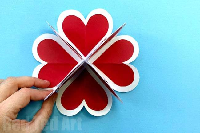Exploding heart 3D valentine card with free pattern