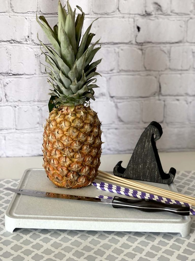 Pineapple for fruit witch wand