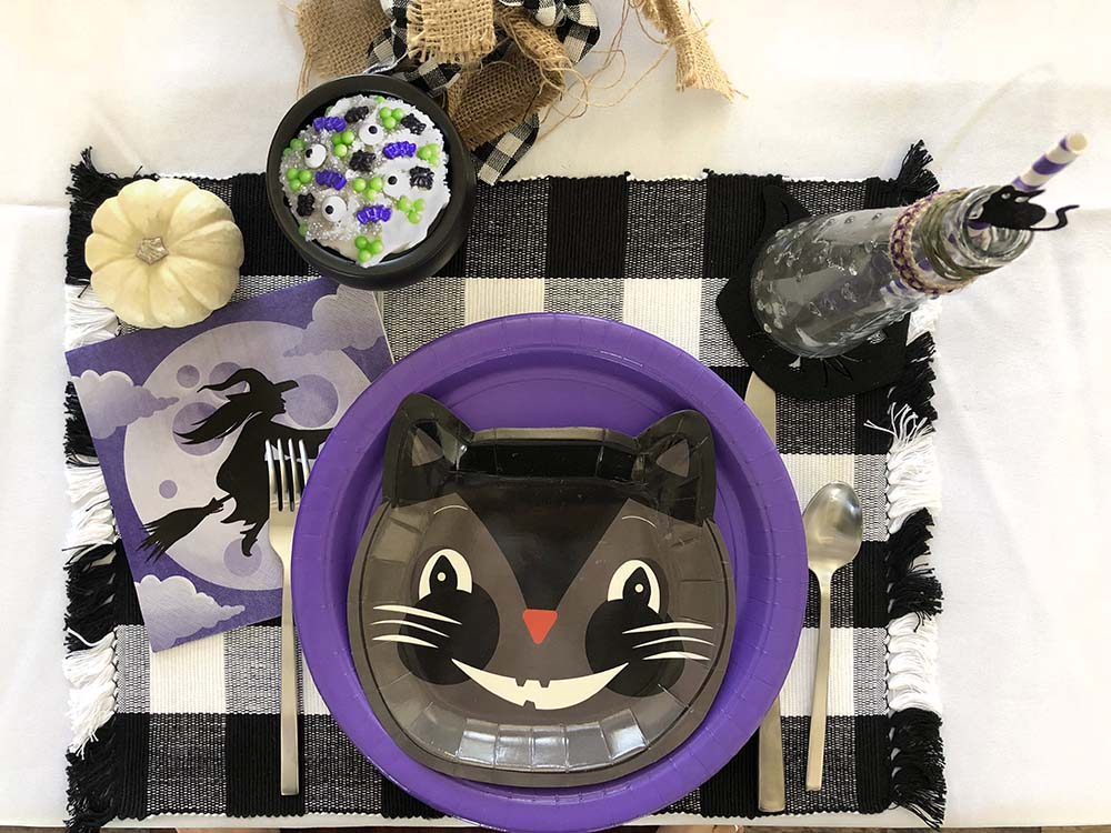 Black cat party placesetting